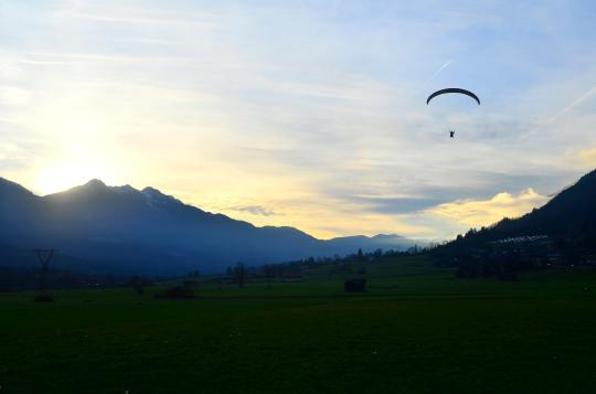 Paragliding 202